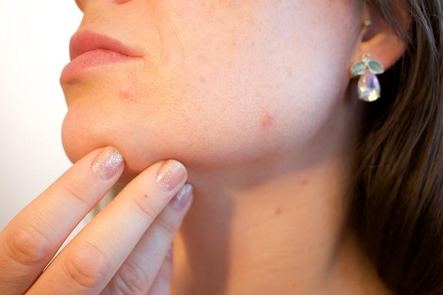 ハルカ(HALCA)化粧品の口コミ!ゆらぎ肌化粧水とクリームについて